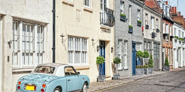 7948887-cosy-mews-houses-in-chelsea-london-england-uk-stock-photo