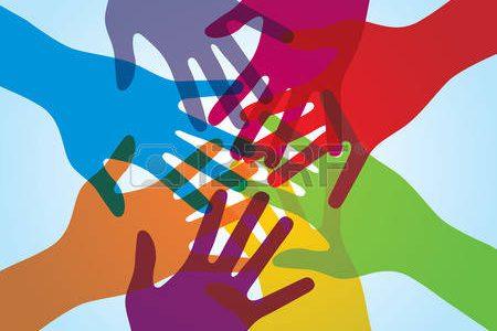 41015728-カラフルなと次の周りの人間の腕。協力と支援のボランティア、人的多様性の概念